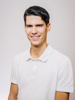 Dr. Gernot Szüsz